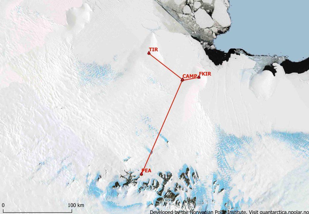 Carte de la région au nord de la station Princesse Elisabeth (PEA) montrant la localisation de notre premier camp où nous avons passé quelques nuits (CAMP), le premier promontoire de glace que nous avons visité (FKIR) et le second ou nous avons établi notre camp principal et foré la carotte de glace (TIR). Image from Sainan Sun