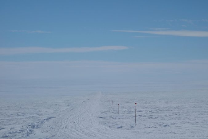 Le chemin suivi par les chasse-neiges au départ de la base aérienne de Novo