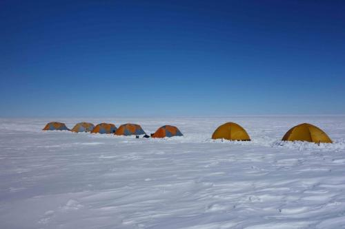 premier-camp-antarctique